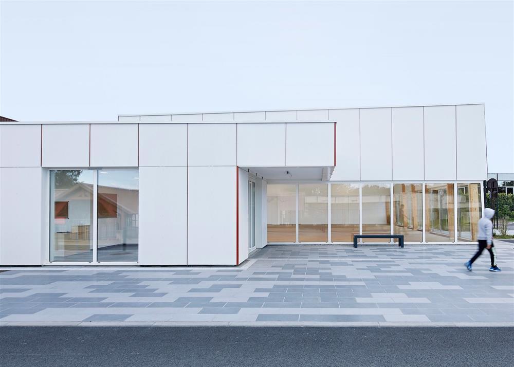 巴黎以大麻為原料建造的Pierre Chevet體育館!永續建材「麻凝土」首次融入法國公共設施