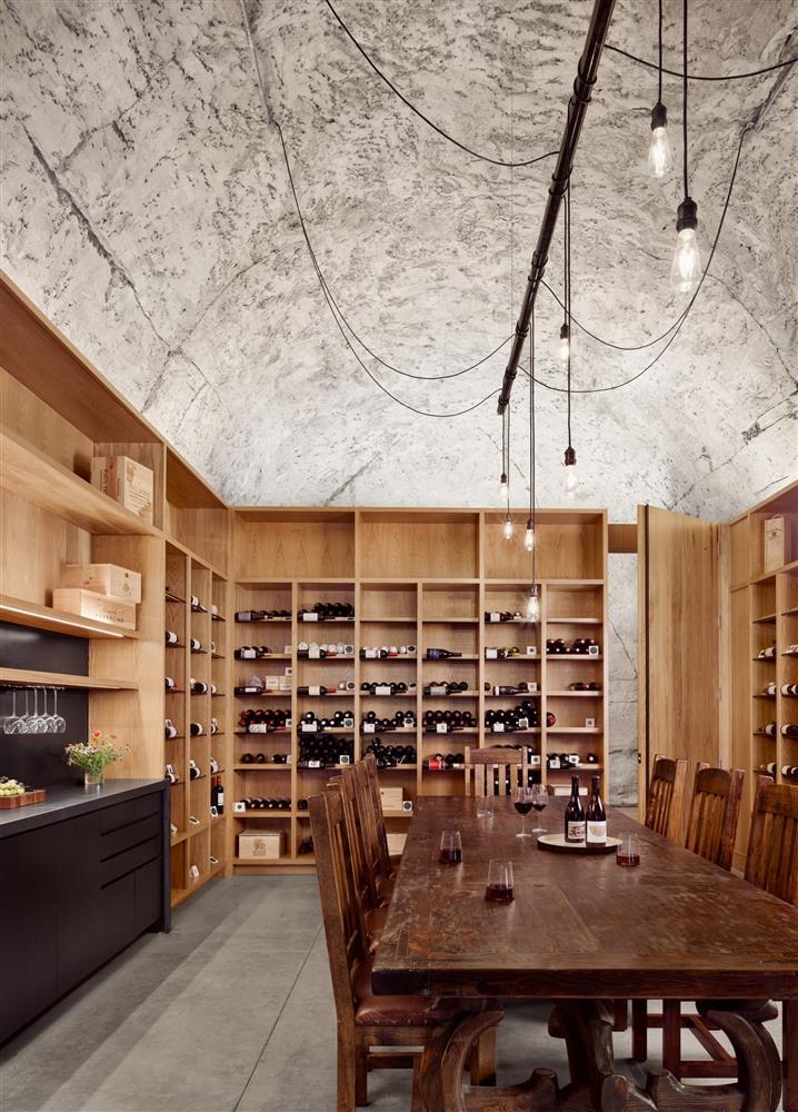 Clayton Korte操刀設計的洞穴酒窖_06
