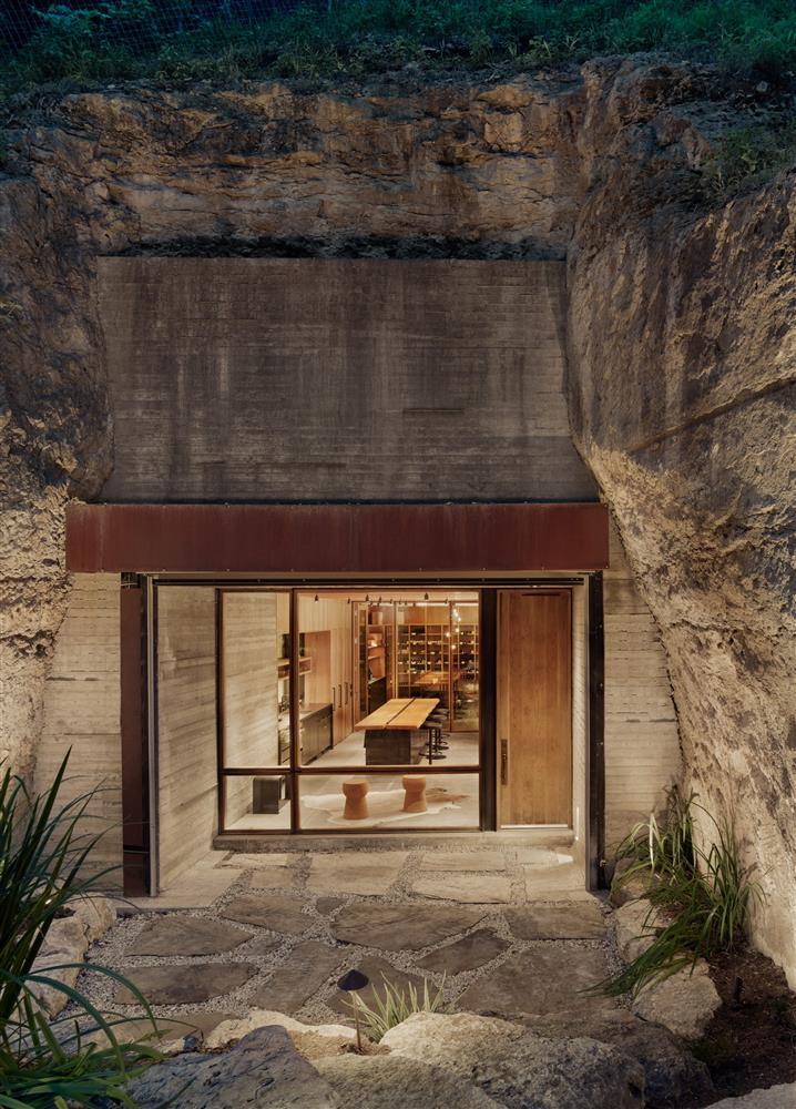 Clayton Korte操刀設計的洞穴酒窖_03