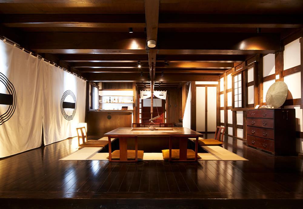 日本東北改建自武士倉庫的旅宿「和之居 角館」2