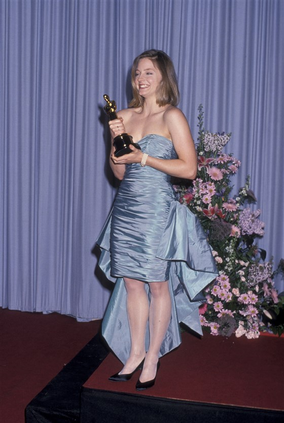 jodie_foster_oscars_today_170202_29ab742f029209e670a40dde78c98782.fit-560w