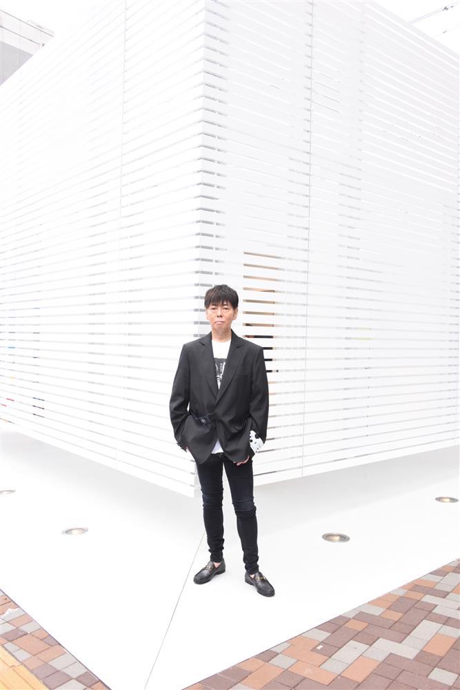 佐藤可士和設計「THE TOKYO TOILET」計畫中的「WHITE」公共廁所kawsiwasato-toilet-002