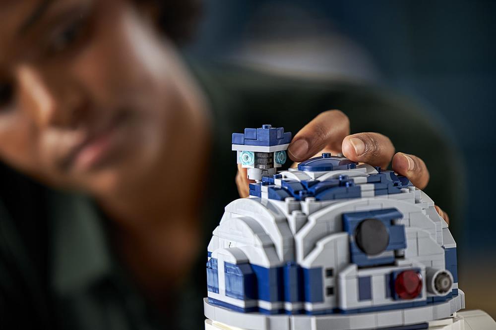 樂高LEGO全新升級《星際大戰》「R2-D2」模型!紀念盧卡斯影業50週年_05