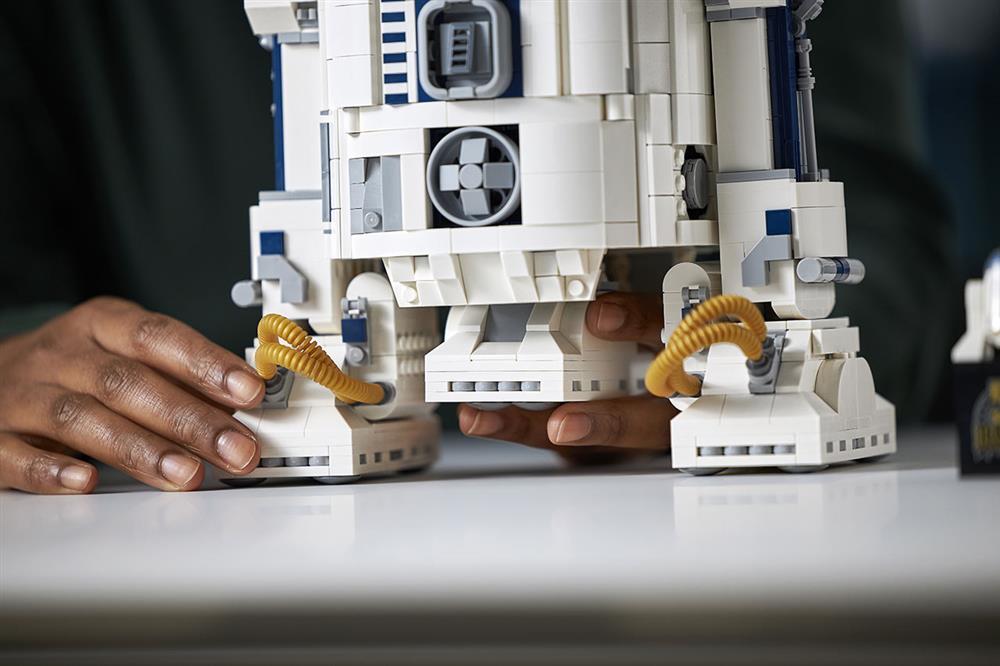 樂高LEGO全新升級《星際大戰》「R2-D2」模型!紀念盧卡斯影業50週年_06