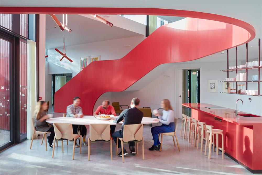 maggies-centre-ab-rogers-royal-marsden-architecture-health_dezeen_2364_col_9