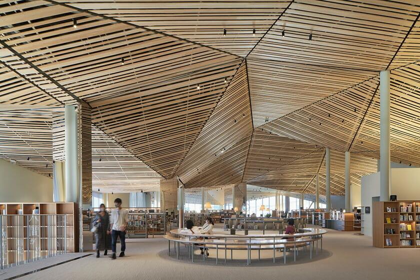 那須鹽原市立圖書館Miruru的溫潤木質空間2