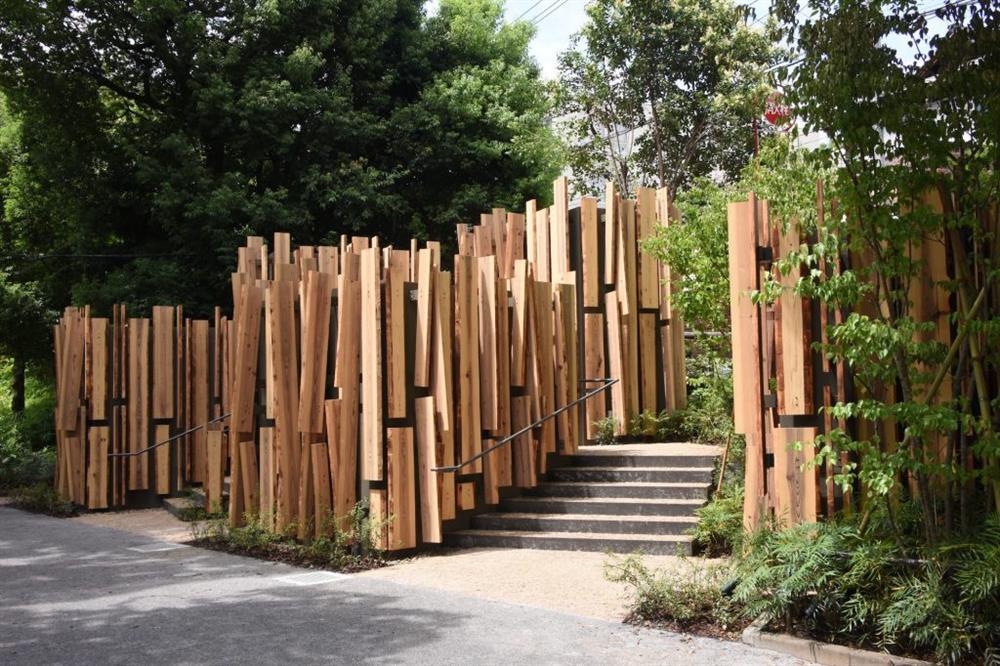 隈研吾操刀「THE TOKYO TOILET」計畫的「森のコミチ」公廁