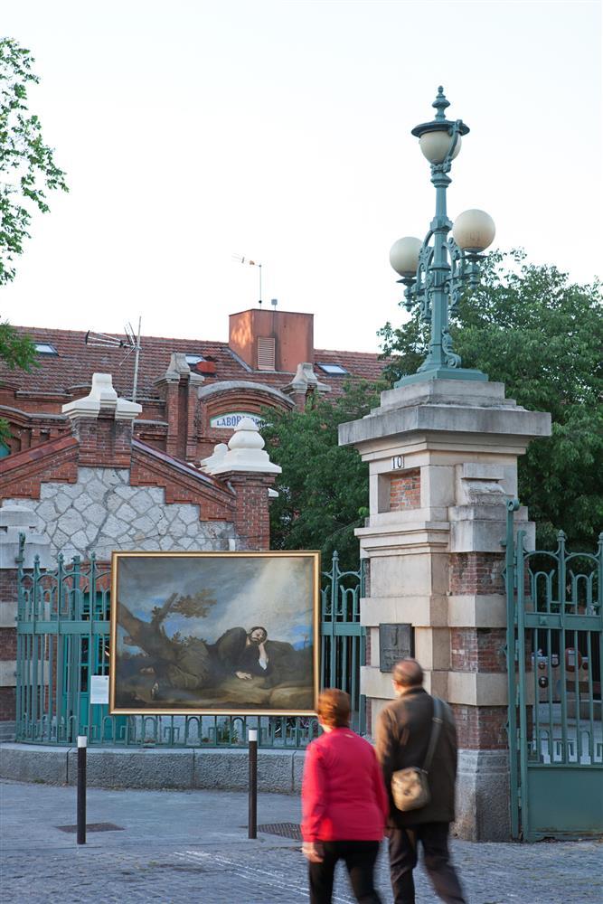 西班牙馬德里普拉多美術館將名作複製畫搬到戶外08